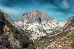 Cave di marmo bianche vicino a Carrara fotografia stock libera da diritti