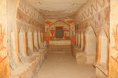Caverna antiga do enterro Fotos de Stock