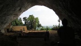 Caverna antiga em Pahiyangala Sri Lanka fotografia de stock royalty free