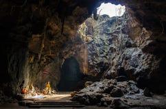 Caverna da Buda, Tham Khao Luang Phetchaburi, Tailândia Imagem de Stock