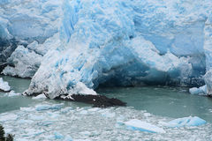 Caverna da geleira de Moreno do perito foto de stock