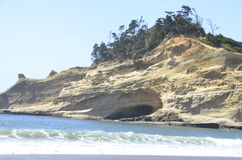 Caverna da praia em Oregon Foto de Stock Royalty Free
