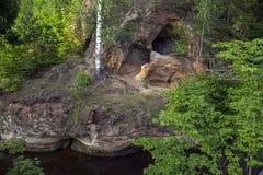 Caverna da rocha da areia em Ligatne Foto de Stock
