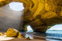 Caverna de Benagil Costa Portugal do Algarve Imagens de Stock