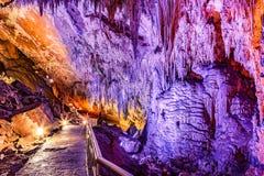 Caverna de Furong no parque nacional da geologia do cársico de Wulong, China foto de stock