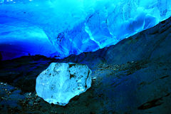 Caverna de gelo Imagens de Stock