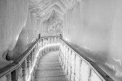 Caverna de gelo fotografia de stock royalty free