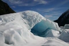 Caverna de gelo da geleira do Fox Fotos de Stock Royalty Free