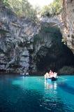 Caverna de Melissani em Kefalonia, Grécia imagens de stock