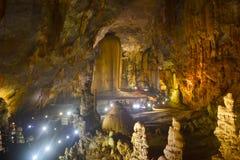 Caverna de Paradise no parque nacional do golpe de Phong Nha-KE, local do patrimônio mundial do UNESCO em Quang Binh Province, Vi foto de stock