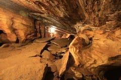 Caverna de pedra natural. Foto de Stock