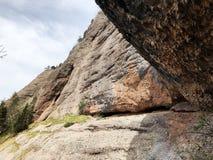 Caverna de Steigelfadbalm ou dado Höhle Steigelfadbalm na montanha de Rigi foto de stock royalty free