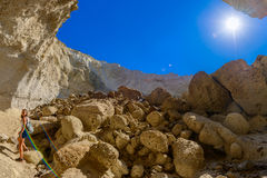 Caverna de Sykia na ilha de Melos, Grécia Imagem de Stock