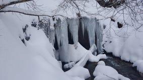 Caverna della copertura del ghiaccio e della neve Fotografia Stock