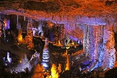 Caverna di Avshalom, anche conosciuta come la caverna di Soreq, grandi stalattiti scava vicino a Bet Shemesh immagini stock libere da diritti