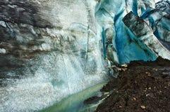 Caverna di ghiaccio del ghiacciaio Immagini Stock Libere da Diritti