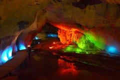 Caverna di illuminazione Fotografie Stock