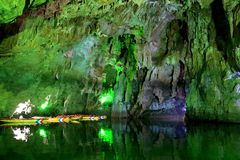 Caverna di morfologia carsica, il palazzo del drago in Guizhou, porcellana fotografia stock