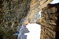 Caverna di nascondiglio della seconda guerra mondiale di Tito segreto fotografia stock