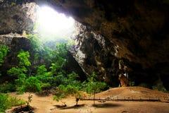 Caverna di Phraya Nakhon, Khao Sam Roi Yot National Park, Tailandia immagini stock