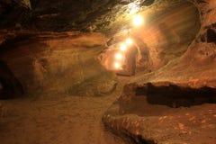 Caverna di pietra naturale. Fotografia Stock