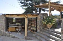 Caverna di Zeus Way Olive Oil Kiosk nell'isola di Creta della Grecia immagini stock libere da diritti