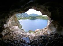 A caverna do ` s do dragão com a respiração gelada Fotos de Stock Royalty Free