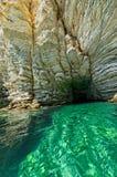 Caverna do selo na ilha de Atokos Imagem de Stock Royalty Free