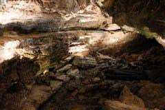 Caverna espetacular Cueva de los Verdes em Lanzarote, Ilhas Canárias fotos de stock