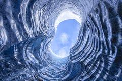 Caverna glacial surpreendente fotos de stock royalty free