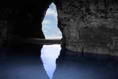 Caverna interna della scogliera Immagine Stock Libera da Diritti