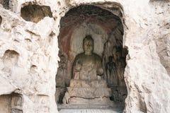 Caverna média de Binyang com figuras cinzeladas em Longmen Fotografia de Stock