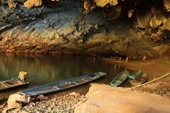A caverna a mais grande em Laos, caverna de Konglor imagem de stock royalty free