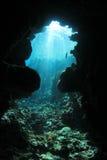 Caverna subaquática foto de stock