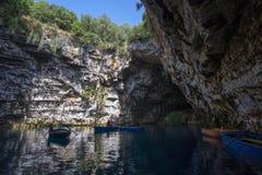 Cavernas de Melissani na ilha Grécia de Kefalonia foto de stock royalty free