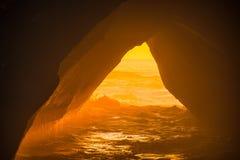 Cavernas misteriosas do mar imagem de stock royalty free