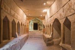 Caverne d'enterrement dedans en parc national Beit Guvrin, Isra?l photo stock
