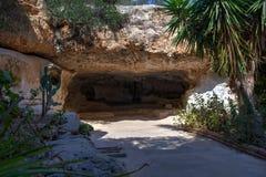 Caverne dans le sanctuaire des Di Lampedusa de Signora de remèdes de charlatan images libres de droits
