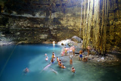 Caverne de Cenote au Mexique Photographie stock libre de droits