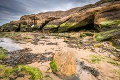 Caverne de contrebandiers chez Cullercoats photographie stock libre de droits