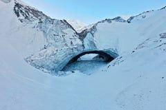 Caverne de glace en parc national et réservation de Kluane photographie stock