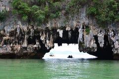 Caverne de grotte de Tham Lod Yai Images stock