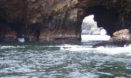 Caverne de l'océan pacifique Photographie stock libre de droits