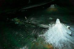 Caverne de montagne Photographie stock libre de droits