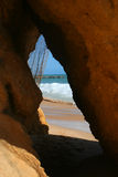 Caverne de plage photos libres de droits