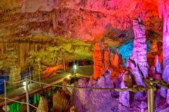Caverne de Sfendoni sur Crète, Grèce Image libre de droits