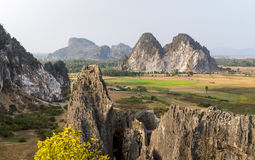 Caverne de Trach de Kampong de Phnom, Kep province le Cambodge en mars 2016 Images stock