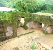 Caverne del buddista di Khambhalida immagini stock