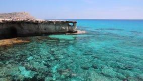 Caverne del mare del Cipro stock footage