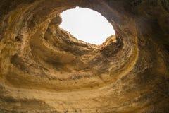 Caverne della spiaggia di Benagil, Algarve, Portogallo Immagini Stock Libere da Diritti